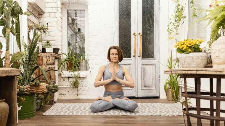Aulas de Yoga 50+