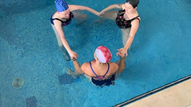 Sessões Aquáticas Pré-Natais/ Yoga na Água para Grávidas